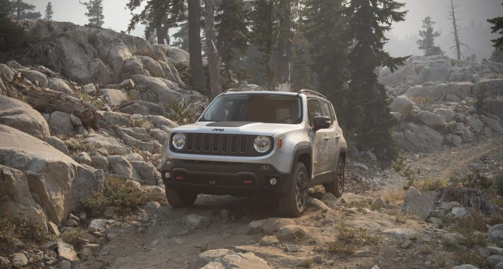 4x4 Capabilites of The 2015 Jeep Renegade On Rocks