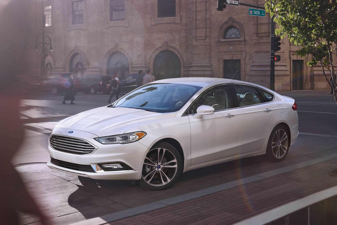 2018 Ford Fusion Front White Exterior