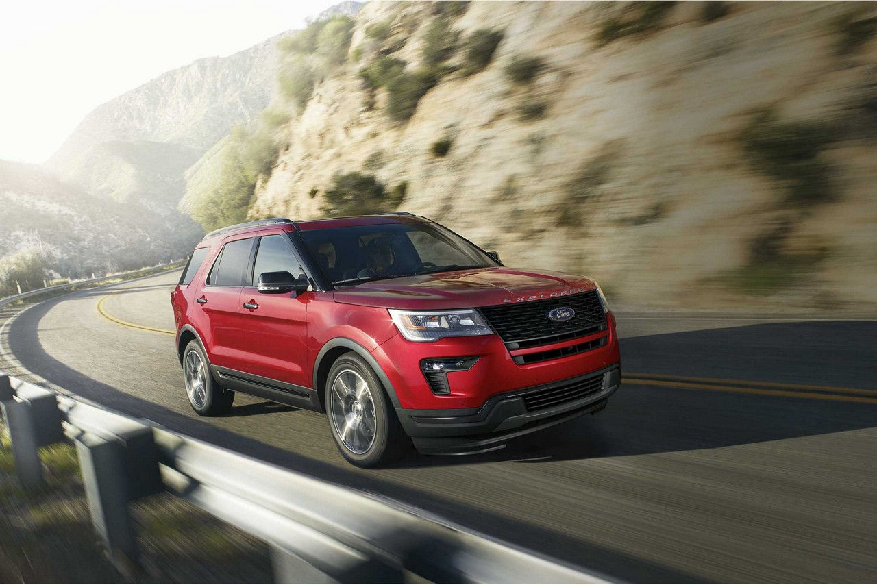2018 Ford Explorer Ruby Red Exterior Front View