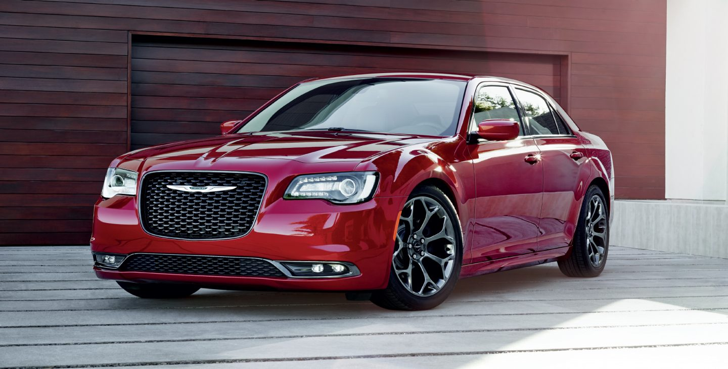 2018 Chrysler 300 Red Exterior Front