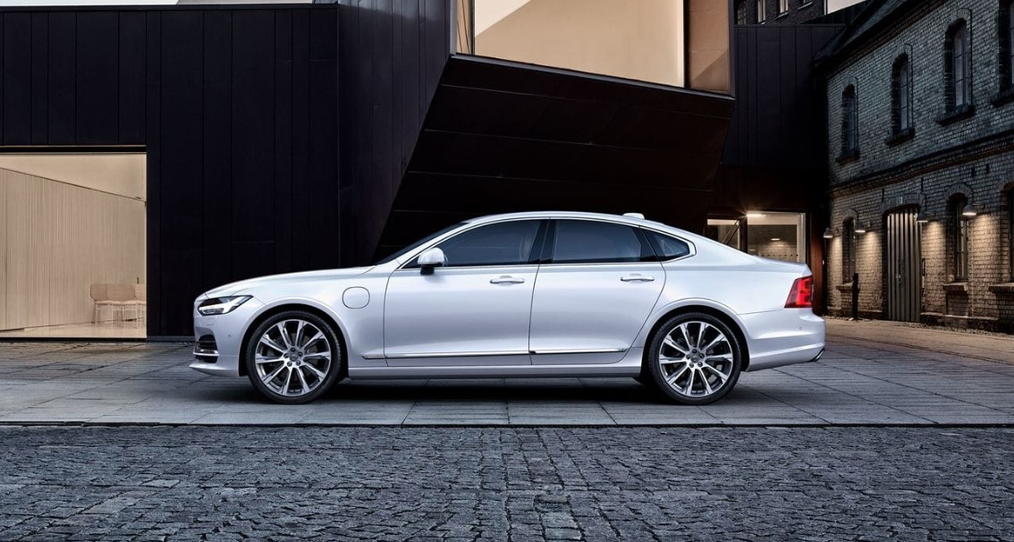 2018 Volvo S90 Side Silver Exterior
