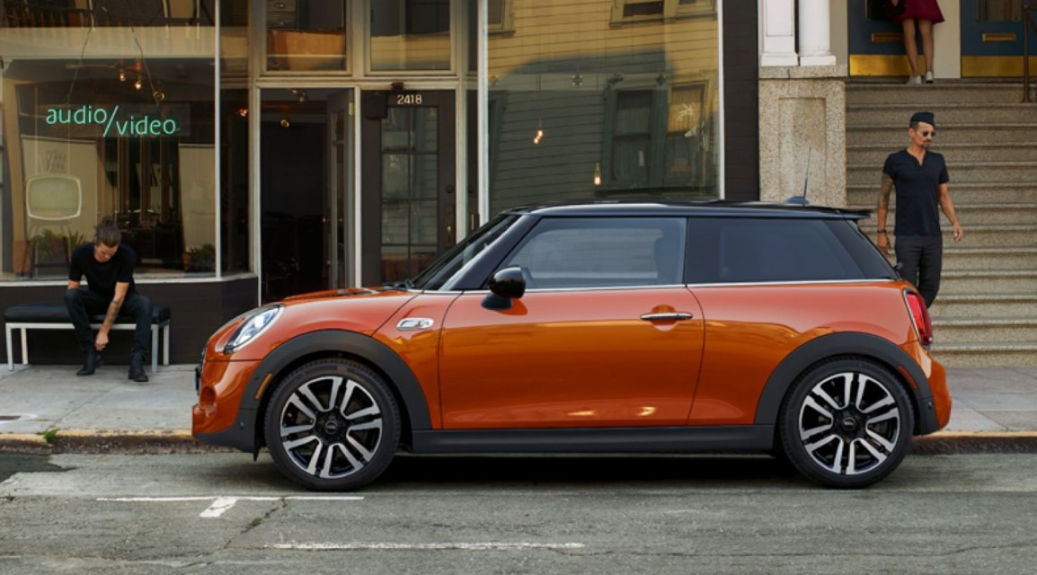 2019 MINI Cooper Hardtop 2-Door Side Orange Exterior