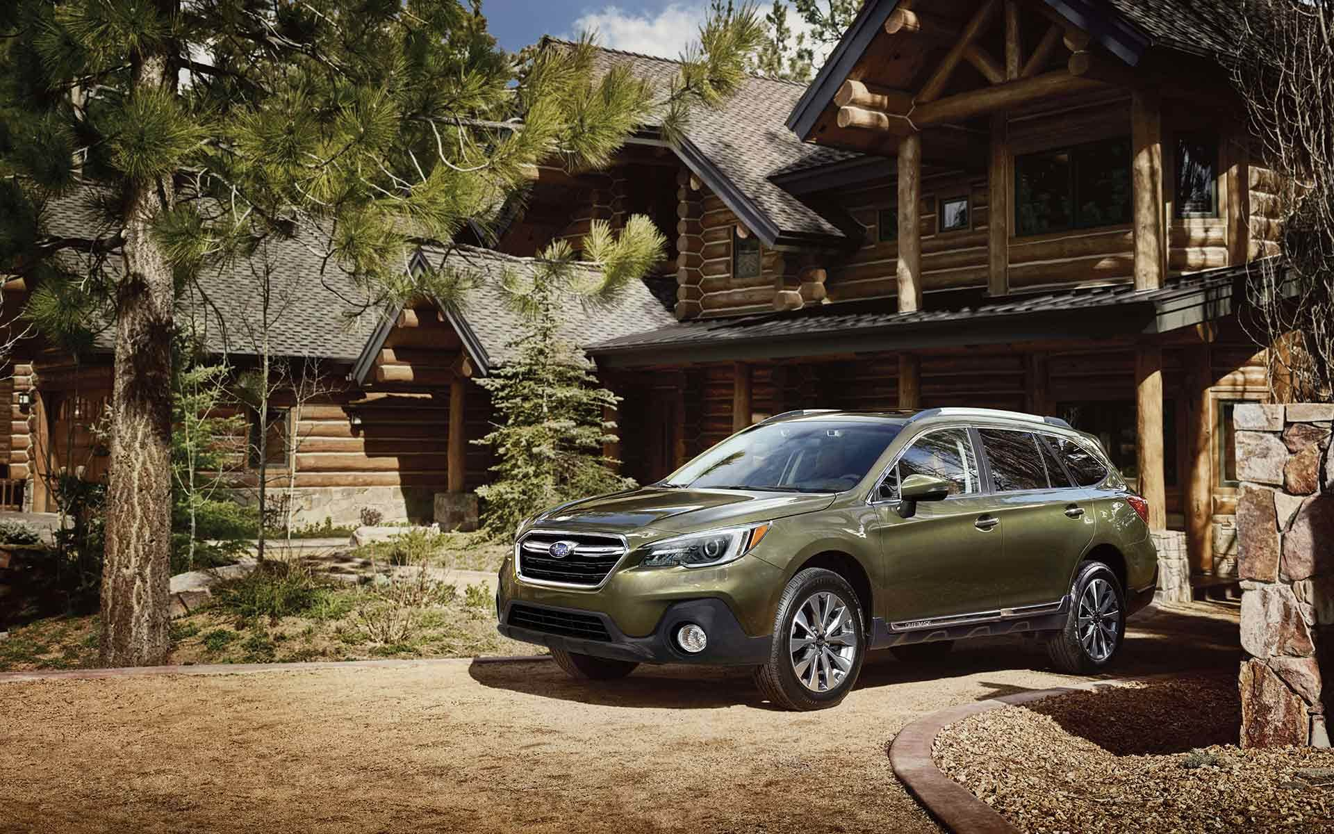 2019 Subaru Outback Green Front Exterior